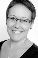 Jennifer Brix - Sachbearbeiterin für Vertragswesen und Reisekosten
